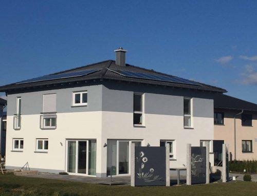 Warum Ost-/West-Dächer bei Photovoltaik im Vorteil sein können
